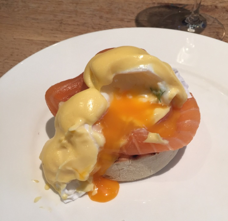 fish market eggs royale