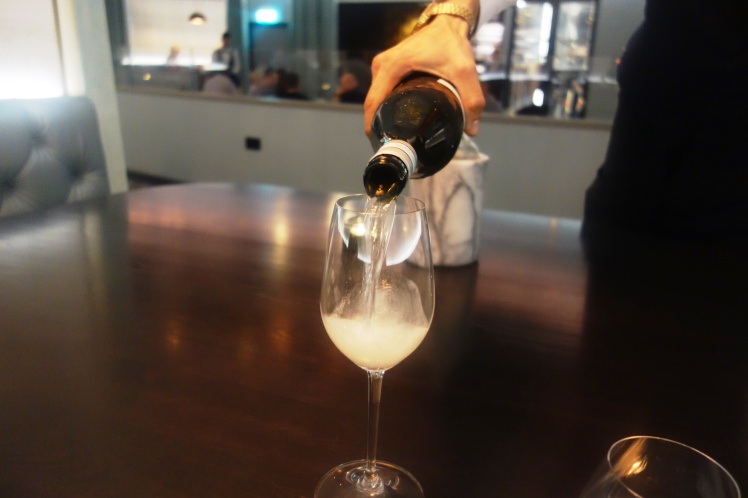 free-flowing-prosecco